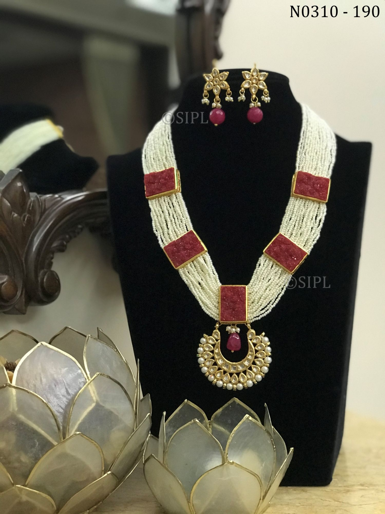 Beautiful Kundan Meenakari Necklace Set