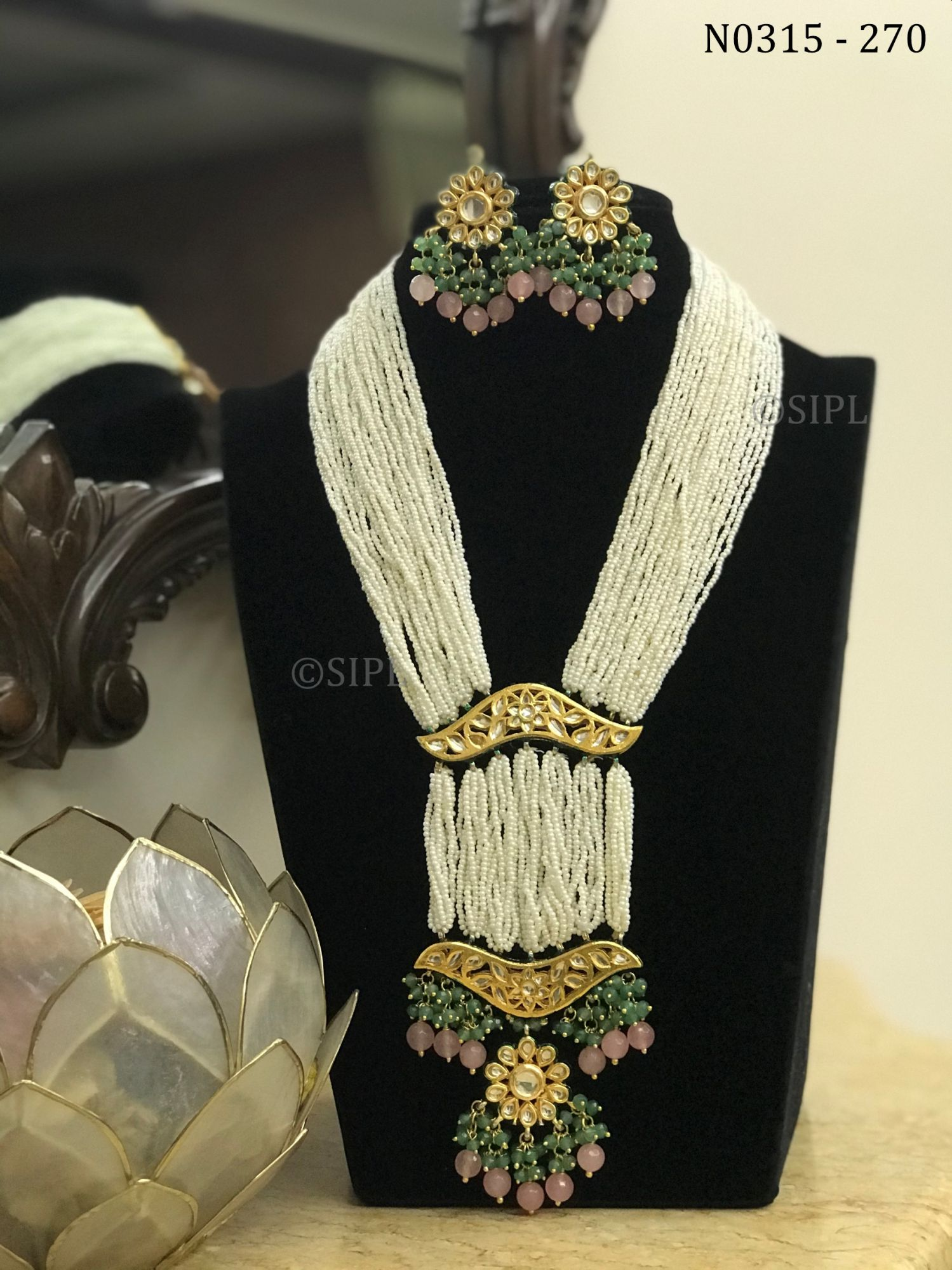 Exclusive Design Kundan Necklace Set