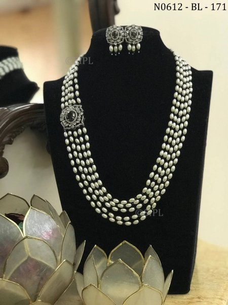 Ethnic Design Party Wear Diamond Necklace Se