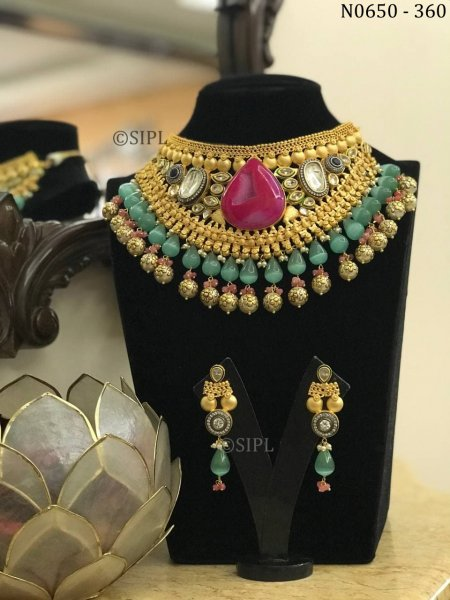 Superior Quality Designer Necklace Set