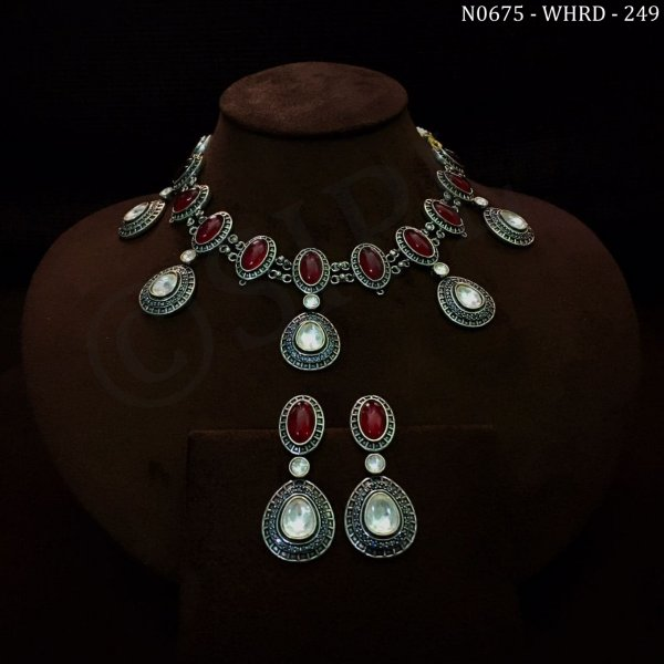 Classic Design Kundan Necklace Set
