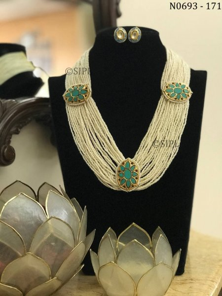 Beautifully Handmade Turquoise Color Cheed Necklace set