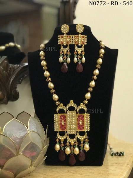 Kundan jewellery are its precious and semi-precious polished gemstones