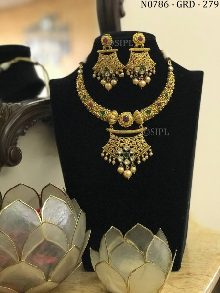 Beautiful Gold Plated Southern Design Necklace Set
