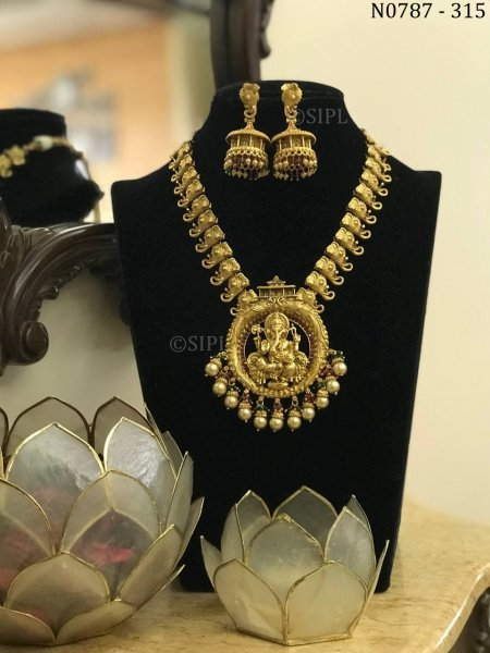 Southern Style Lord Ganpati Temple Jewellery Set
