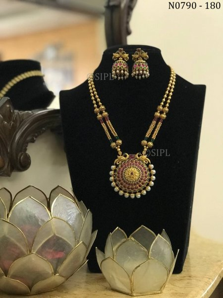 A unique feature of South Indian jewellery necklace set
