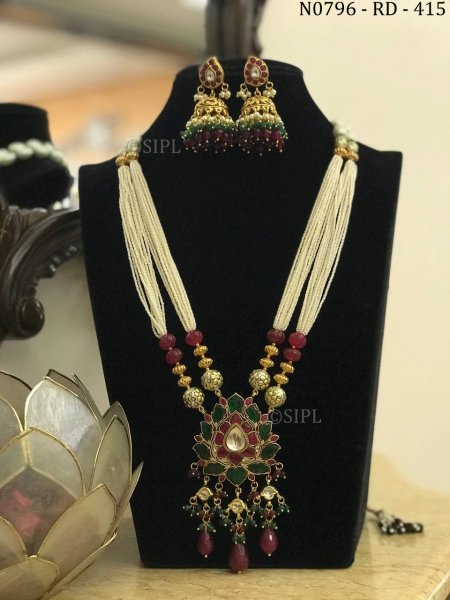 This Beautiful Kundan Necklace Set For Women