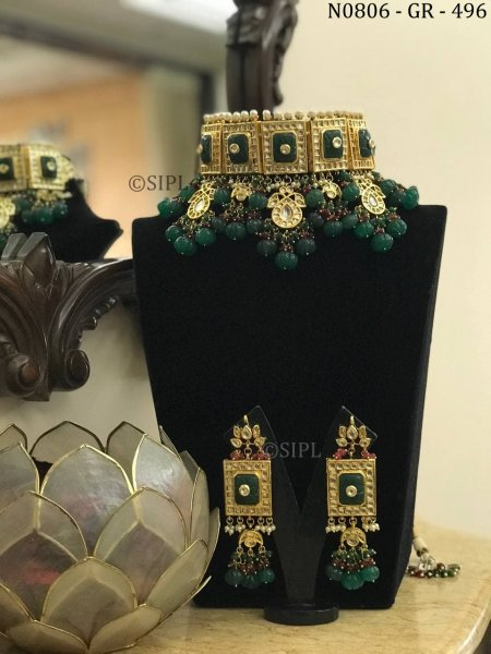 Kundan jewellery designs are intricate mind blowing art pieces